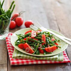 Foto: A. Caprese Salad, Food, Salads, Cooking Recipes, Meal, Essen, Hoods, Meals, Insalata Caprese
