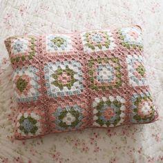 Teffany Knows Crochet: Granny Square Shams