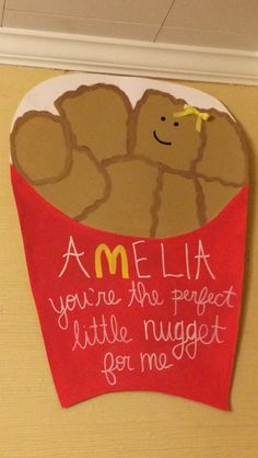 Big and little poster ideas. Perfect little nugget for me! Chicken & nugget for big lil reveal? Big Little Week, Big Little Reveal, Big Little Gifts, Little Presents, Alpha Phi Omega, Delta Phi Epsilon, Kappa Alpha Theta, Alpha Chi, Phi Mu
