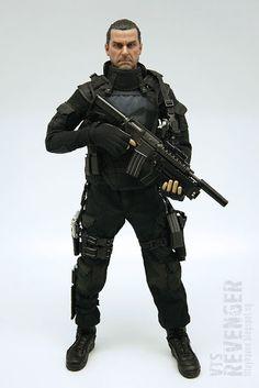 "VTS Toys 1/6 scale The Revenger 12"" figure aka Ray Stevenson Punisher War Zone Review II   scale in alluminio"