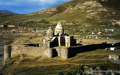 Northwestthaddes - イランのアルメニア人修道院建造物群 - Wikipedia