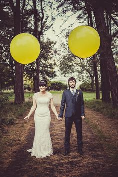 Swinging Sixties Sunshine Wedding: Kara & Gary