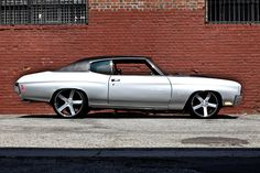 1970 CHEVROLET CHEVELLE SS CUSTOM This Super Sport is powered by a 502cid crate motor with less than 1,000 miles on it. Has cowl induction 502 and has a N.O.S. bottle in the trunk for a quick 100hp bump. forgiato 22 20 inch wheels 5 star spoke silver grey brushed