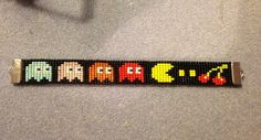 Pacman bracelet done on a bead loom. This is not my original design. I copied it from another pinner.