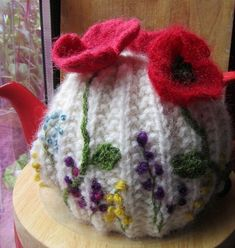 Hey, I found this really awesome Etsy listing at https://www.etsy.com/listing/194119187/poppy-and-wild-flowers-tea-cosy: