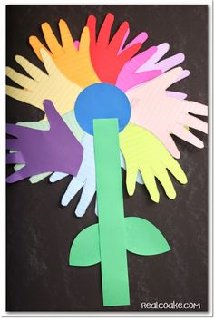 Cute Daisy Girl Scout craft to reinforce the Promise and the Law. #GirlScout #Daisy #Craft