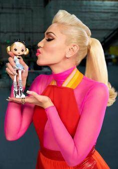 Gwen kissing Gwen