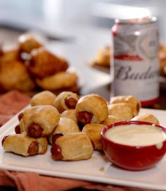 Nothing like an ice cold Budweiser and a hot dog at a ball game. Check out our bite-sized Pigs-in-a-Blanket and bring the stadium food home. Christmas Appetizers, Appetizer Recipes, Honey Chicken Wings, Vegan Chipotle, One Pot Spaghetti, Sweet Potato Skins, Pigs In A Blanket, Game Day Food