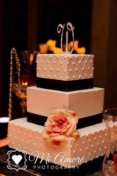 Classic & romantic wedding cake by Fleur De Lis
