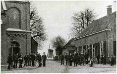 0214503 Coll. Chr. Warnar Ommel 1900: Centrum Ommel:R.K.Kerk-Molenzicht.