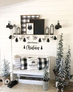 Buffalo check pillows, buntings and an artwork for a stylish black and white Christmas entryway. Buffalo check pillows, buntings and an artwork for a stylish black and white Christmas entryway. Christmas Entryway, Black Christmas Trees, Farmhouse Christmas Decor, Plaid Christmas, Country Christmas, Christmas Home, Black Christmas Decorations, Tv Stand Christmas Decor, Farmhouse Decor