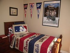 Fun way to decorate a baseball themed bedroom!