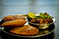 Malavani vade with mutton fry