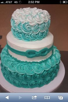 I love the color on this cake ! 16th Birthday Cake For Girls, Yellow Birthday Cakes, Brithday Cake, Twin Birthday Cakes, Sweet 16 Birthday Cake, Cupcakes, Cupcake Cakes, Metallic Wedding Cakes, Quinceanera Cakes