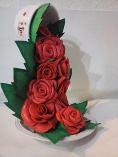 cascata de flores na xícara - Pesquisa Google