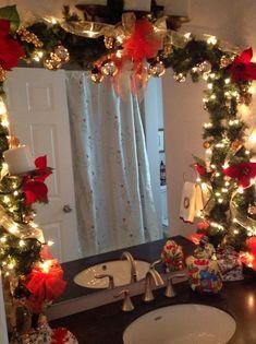 Inspiring 50 Amazing Christmas Bathroom Decorations That Will Amaze You teracee…. Inspiring 50 Amazing Christmas Bathroom Decorations That Will Amaze Indoor Christmas Decorations, Outdoor Christmas, Tree Decorations, Christmas Decorating Ideas, Homemade Decorations, Diy Decorating, Xmas Ideas, Rustic Christmas, Christmas Inspiration