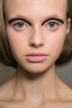 Fendi at Milan Spring 2016. http://adventuresfortwo.com/ #makeup #beauty #runway…