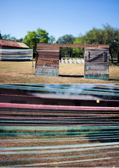Colorful Texas wedding   photo by Paige Newton   100 Layer Cake