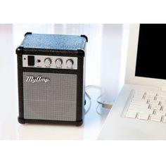 Parlante para conectar a una PC, un reproductor de mp3, un teléfono celular o cualquier otro dispositivo de audio. El sonido es potente y de excelente calidad. El diseño del parlante está inspirado en los clásicos amplificadores de guitarra eléctrica. Las perillas sirven para manejar el volumen y ecualizar graves y agudos. Es ideal para souvenirs originales o regalos empresariales. También es un buen producto para darle un toque original a cualquier escritorio. PRECIO: $450.