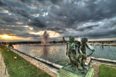 Beautiful picture of the Chateau de Versailles. www.cadran-hotel-gourmand.com