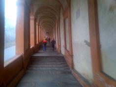"""@Giovanni Sedda: """"#Correre in #Emilia: il lungo portico che a #Bologna porta al Santuario di San Luca tutto di corsa :) #scattidicorsa"""""""