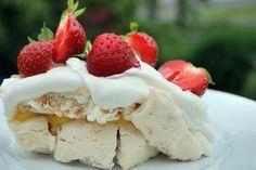 Jag bakar mjölkfritt, dvs utan både laktos och mjölkprotein. Det viktigaste för mig är att det ska vara bakverk som alla kan njuta av med eller utan en mjölkallergi. Visst går det att baka goda och tilltalande mjölkfria bakverk. Välkommen till min blogg! Tart, Lime, Strawberry, Gluten, Ice Cream, Fruit, Blogg, Desserts, Food