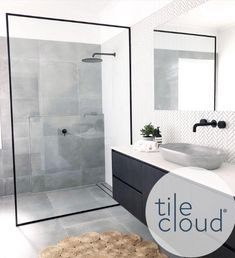 Minimalist chic bathroom With walk in shower and tub wet room