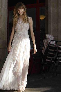 Anna Kara Die Brautkleider der polnischen Designerin ANNA KARA verbinden zauberhaften Romantik-Look und Eleganz. Die exklusiven und einzigartigen Kleider, hergestellt aus feinsten Materialien präsentieren ein umfangreiches europäisches Stil- und Stimmungsspektrum, Anna Kara, Designer, Unique Dresses