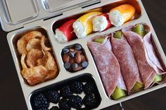 Cold cut-wrapped pickles + stuffed mini peppers + berries + nuts + pork rinds 16 Simple Bento Box Lunch Ideas That Will Make A Low Carb Diet So Much Easier Bento Box Lunch, Lunch Snacks, Keto Snacks, Healthy Snacks, Easy Lunch Boxes, Low Carb Lunch, Lunch Meal Prep, Low Carb Diet, Gourmet Recipes