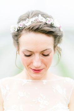 Portrait einer Braut im Brautkleid fotografiert von Anni Hochzeitsfotografie - Hochzeitsfotograf aus Köln