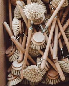 One brush at the time, small changes make the difference!  When I started zero waste lifestyle , the kitchen was the first places I tackled. I reduced and replaced kitchen utensils with natural alternatives. 👩‍🌾 What kind of cooking utensils do you use in your kitchen? Cooking Utensils, Kitchen Utensils, Small Changes, Zero Waste, Stuffed Mushrooms, Lifestyle, Natural, Places, How To Make