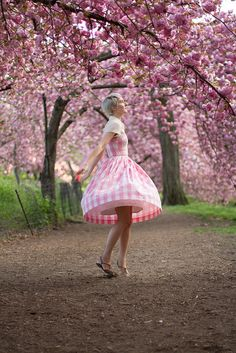 Summer, Spring, Autumn, Winter here perishing Pink Love, Pretty In Pink, Hot Pink, Cherry Blossom Girl, Cherry Blossoms, Darling Buds Of May, Fashion Images, Fashion Blogs, I Believe In Pink