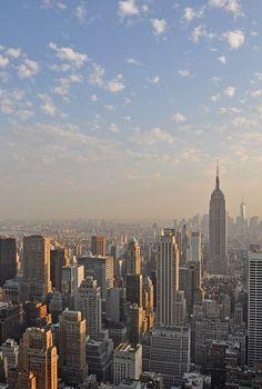 New York Wallpaper, City Wallpaper, New York Life, Nyc Life, City Aesthetic, Travel Aesthetic, Images Esthétiques, City Vibe, New York City Travel