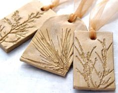 Ceramic Ornament with Natural Plant Impression Christmas Holiday Decoration Gold Large - Set of 3 (Diy Ornaments Salt Dough) Ceramic Jewelry, Polymer Clay Jewelry, Clay Ornaments, Christmas Ornaments, Christmas Tree, Cerámica Ideas, Salt Dough, White Clay, Clay Crafts
