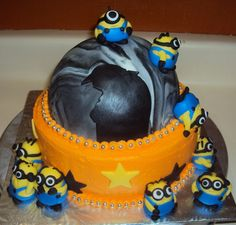 Despicable me cake, 2011 —( Drew's favorite)