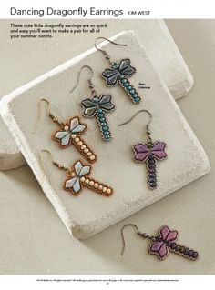 Kim West's Dancing Dragonfly Earrings, Featured in the 10 Quick & Easy Bead Weaving Patterns eBook Bead Loom Patterns, Beaded Jewelry Patterns, Weaving Patterns, Bead Jewelry, Diy Jewelry, Mosaic Patterns, Jewelry Making, Color Patterns, Jewelry Ideas