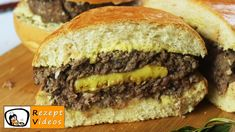Jambalaya, Sandwiches, Juicy Lucy, Beef Recipes, Ethnic Recipes, Food, Oatmeal Yogurt, Hamburger Buns, American Cuisine