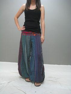 I want pants like these! Than I can be like Aladdin! :D