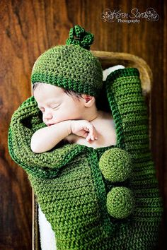 Crochet Green Infant Pea Pod Cocoon and Matching hat
