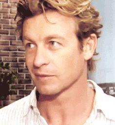 OMG son sourire je l'adore !!! Simon Baker, j'adorerai toujours cette acteur ! <3 <3 <3