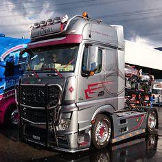 Show Trucks, Big Trucks, Mb Truck, Truck Camper, Mercedes Benz Commercial, Truck Festival, Mercedes Benz Trucks, Vehicles, Mp5