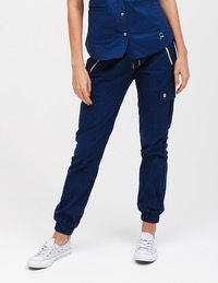 Jaanuu Joggers Brand new with tags Jaanuu Scrub Joggers! Scrubs Uniform, Nurse Scrubs, Jaanuu Scrubs, Medical Uniforms, Dental Assistant, Business Attire, Lace Tops, Going Out, Joggers