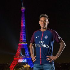  Life in Paris is not exactly what Neymar expected and the forward is already beginning to regret his move to PSG, claims Marcelo Bechler. Neymar Jr, Paris Saint Germain Fc, Barcelona, Soccer Stars, Best Player, Football Fans, Cristiano Ronaldo, Football Players, Instagram Fashion