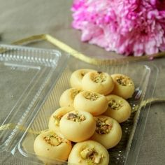 Indian Recipes Kitchen Secrets and Snippets: Milk Peda / Doodh Peda - To celebrate the occasion Indian Desserts, Indian Sweets, Indian Snacks, Indian Dishes, Sweet Desserts, Indian Food Recipes, Snack Recipes, Cooking Recipes, Fish Recipes