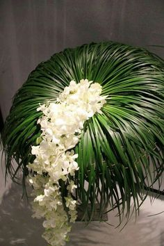 Maybe use aspidistra, full on bottom & slit on top of that. Contemporary Flower Arrangements, Church Flower Arrangements, Church Flowers, Beautiful Flower Arrangements, Funeral Flowers, Unique Flowers, Flower Centerpieces, Flower Decorations, Wedding Centerpieces