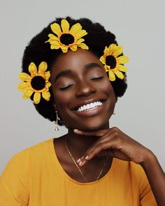 Short, curly hair: 110 amazing cuts and how to take care of strands - Afro Hair Fotografie Portraits, Curly Hair Styles, Natural Hair Styles, Photographie Portrait Inspiration, Black Girl Aesthetic, Photo Reference, Drawing People, Black Is Beautiful, Absolutely Gorgeous