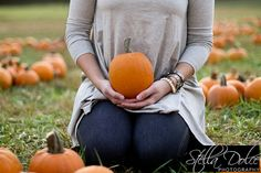 Pregnancy announcement   Stella Dolce Photography - http://www.stelladolcephotography.com