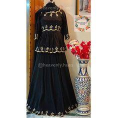 ✔️Style:Short length pleated kurti with kalidaar skirt. ✔️Fabric:Crepe for suit, net dupatta meters length) ✔️Embellishments:Pearls,… Designer Party Wear Dresses, Kurti Designs Party Wear, Dress Indian Style, Indian Dresses, Salwar Kameez, Salwar Suits, Patiala Dress, Lehenga Suit, Lehenga Style