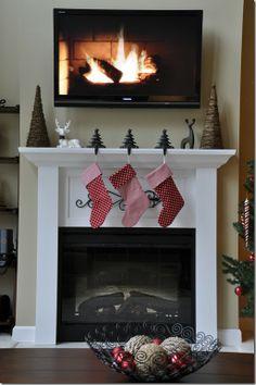pretty holiday mantel decor