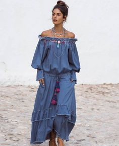 Boho style for bohemian women by made-in-Italy Skirt Fashion, Boho Fashion, Womens Fashion, Style Fashion, Fashion Brands, Gypsy Style, Bohemian Style, Boho Hippie, Estilo Folk